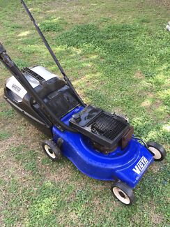 Australian VICTA Lawn Mower Super Reliable Machine  Loganholme Logan Area Preview