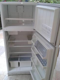 Westinghouse Frost Free 440lt fridge/freezer