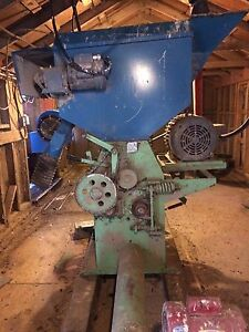 Roller mill and leg system