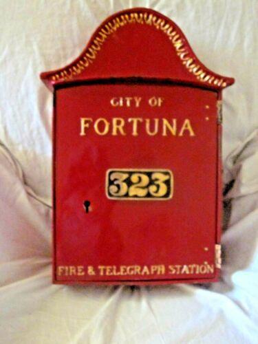 California Outdoor Telephone Box e/w Working Telephone.