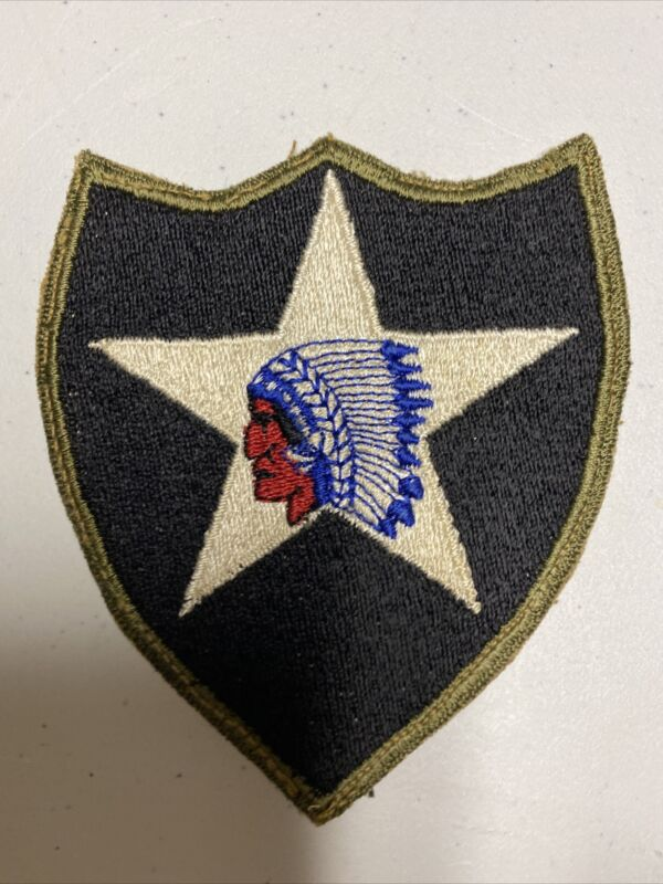 H0707 Original WW2 US Army 2nd Infantry Division  Shoulder Patch IR45A