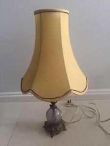 VINTAGE BEDSIDE TABLE LAMP