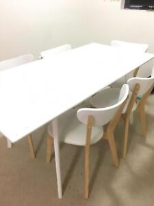 Dining Table Fantastic Furniture Toto Brand New