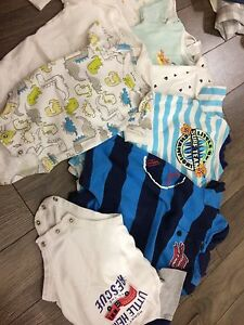 Baby boy 8 shirts onesies carters $10