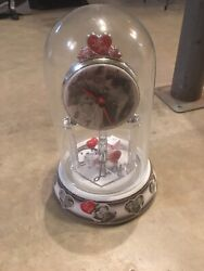 I LOVE LUCY GLASS DOME ANNIVERSARY CLOCK - Ricardos Are Interviewed Episode