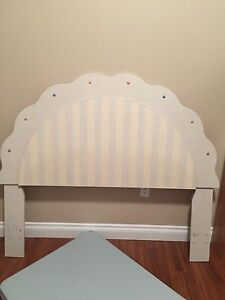 Headboard for a double or queen size bed