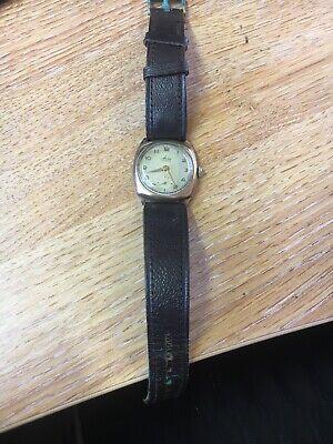 Avia Vintage 9ct gold cushion case gents 15jewel Swiss gents wristwatch