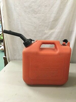 Nice Vintage Gas Can Wedco Plastic 2 12 Gallon Pull Out Spout Vented