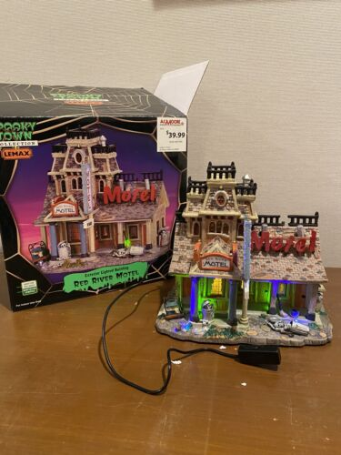 Lemax Spooky Town - Red River Motel - Halloween Village - $175.00