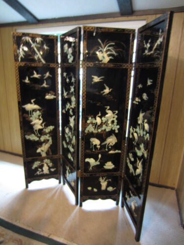 Chinese Lacquer Ware Screen/DIvider-Mother Of Pearl Figures-RARE!: Well Crafted
