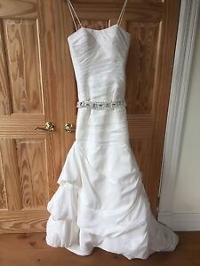 Wedding dress Ronald Joyce never worn!