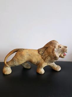 Sculpted lion statue