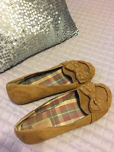 Selling several pair shoes. All size9 St. John's Newfoundland image 7