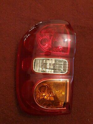 2003-2005 GENUINE TOYOTA RAV4 NSR PASSENGER SIDE REAR LIGHT/ LAMP CLUSTER