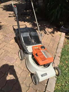 Victa Mustang Lawnmower 2 Stroke Chipping Norton Liverpool Area Preview