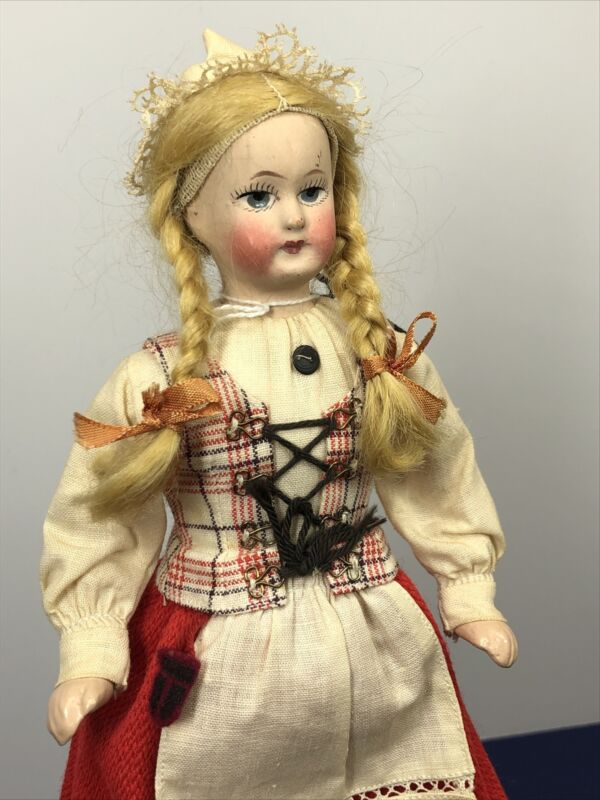 """9.5"""" Vintage 1950's Finland Finnish Lapland Porcelain Beautiful Girl W/ Tag #O8"""