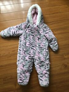 Girls Snowsuit 6/9M $20