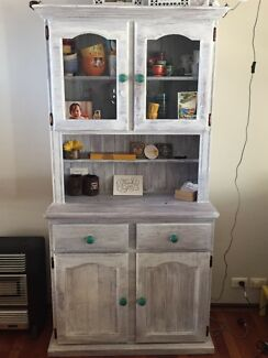 CABINET WITH GLASS & DRAWS