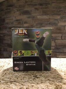 JLA Cover to Cover Limited Edition of 2100 Green Lantern Statue