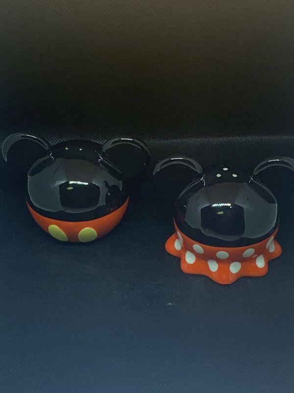 Walt Disney Mickey Minnie Salt And Pepper Shakers Disneyland Mouse Ears New