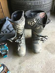 Size 13 black motor Ross boots fox plus fox helmet xl googles The Oaks Wollondilly Area Preview