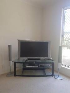Tv entertainment  unit  speakers and stereo Varsity Lakes Gold Coast South Preview