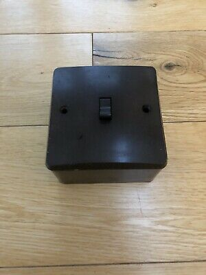 BROWN BAKELITE VINTAGE LIGHT SWITCH