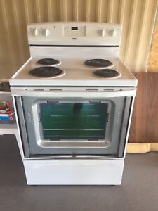 Free Stove! Ingles 2012. Works!! Excellent condition.