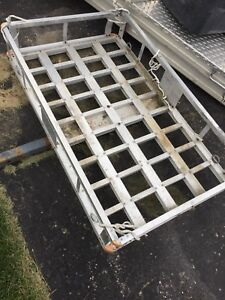 Equipment carrier for trailer hitch