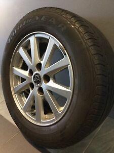 """HOLDEN COMMODORE VF 16"""" GENUINE ALLOY WHEELS AND TYRES Carramar Fairfield Area Preview"""