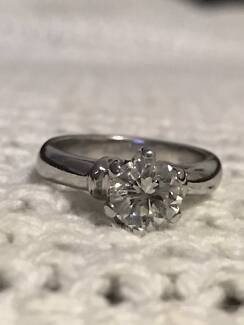 Superb Engagement Ring  and Wedding Ring