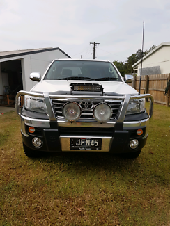 Wanted: SR5 Toyota Hilux 2013 as new