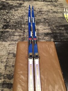 Atomic 203 classic cross country skis