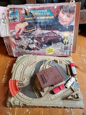 Vintage 1982 Mattel Hot Wheels Railroad Sto-n-go Playset - RARE le Chemin de Fer