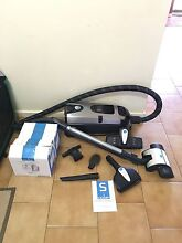 Sauber Intelligence SI-200 Vacuum Cleaner with Dust Bags Evanston Gardens Gawler Area Preview