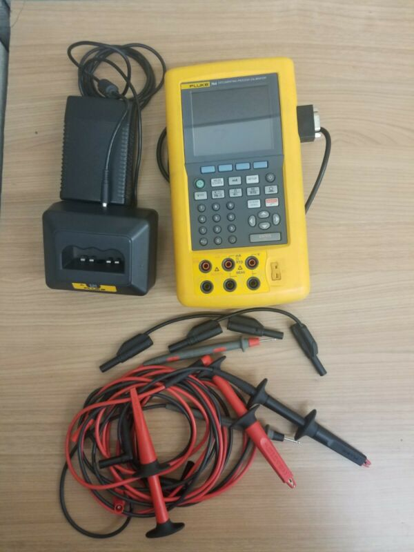 Fluke 744 Documenting Process Calibrator - Excellent Used Condition