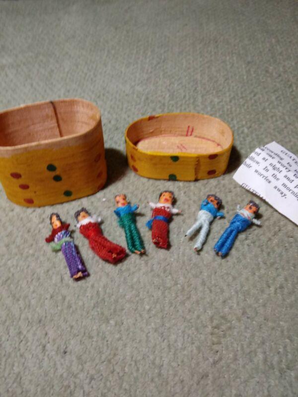Vintage Guatemalan Worry Wish Stress Dolls Wooden Box With 6 Tiny Mini Handmade