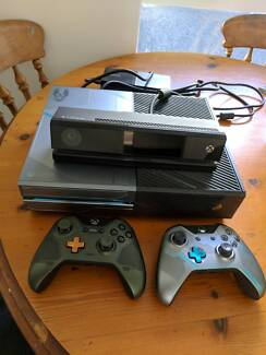 Microsoft Xbox One Halo 5: Guardians Limited Edition 1TB Console Hawthorn Boroondara Area Preview