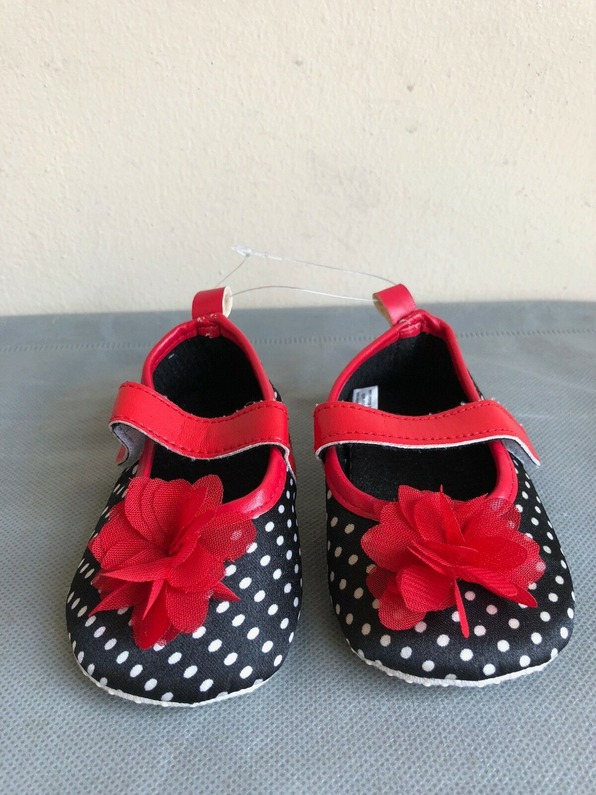 Luvable Friends Baby Girl shoes polka dots black/white-red f
