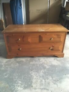 Used blanket box/Hope chest