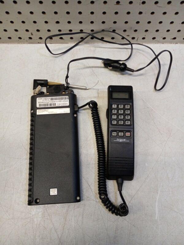 Motorola S3230A Mobile Cellular Car Phone W/ Bag Headset VINTAGE UNTESTED