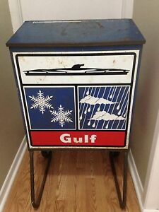 Vintage Gulf gas oil advertising wiper display sign can garage