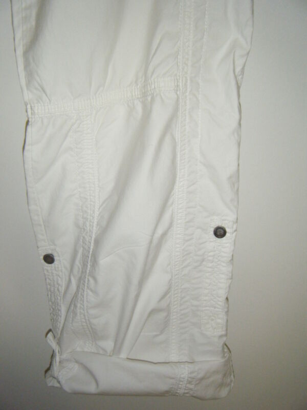 WOMENS WHITE COTTON PANTS SZE 29 ROLL UP WITH 2 BUTTON LENGTH REALLY NEAT PANTS