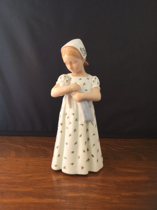 Vintage B&G Bing Grondahl MARY Girl with Doll 1721 Porcelain Denmark Figurine