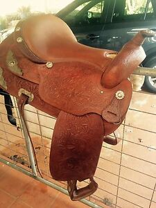 "Western Saddle 15"" Gin Gin Bundaberg Surrounds Preview"