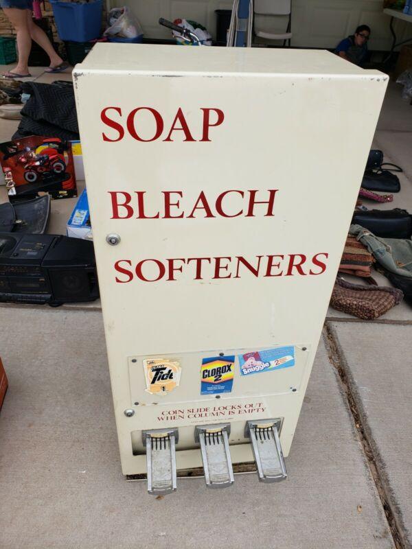 VINTAGE SOAP SOFTENER BLEACH VENDING DISPENCER METAL MACHINE