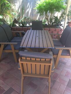 6-SEATER WOODEN OUTDOOR SETTING
