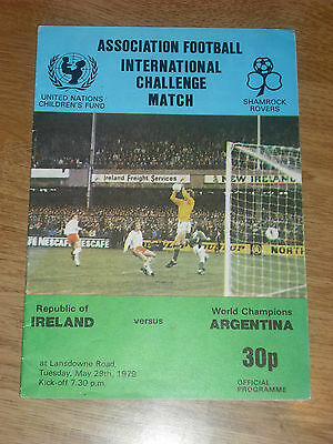 Republic of Ireland Argentina 1979 friendly football programme World Cup