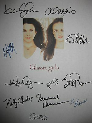 The Gilmore Girls Signed TV Pilot Script X11 Lauren Graham Alexis Bledel reprint