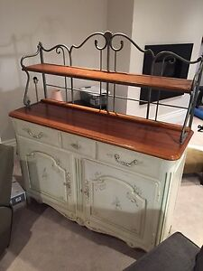 Buffet with cabinets and removable top shelf Ethan allen